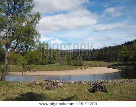 River Dee , East Of Braemar, Scotland.
