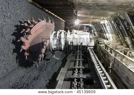 Kohle-Extraktion: Coal Mine Bagger