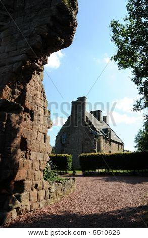 Rosslyn Castle Manor House