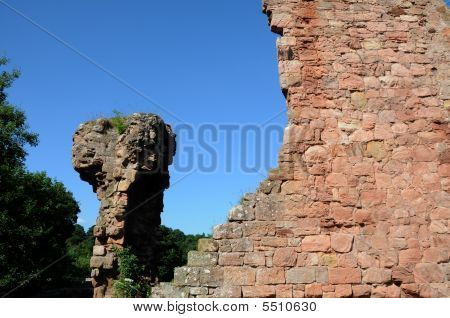 Rosslyn Castle Ruins