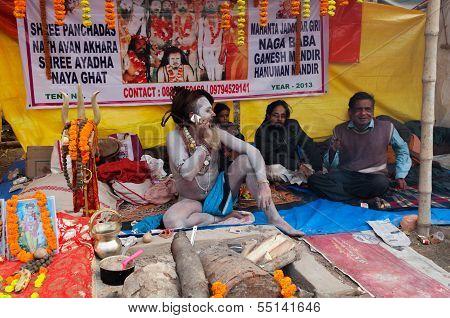 Hindu Sadhu Speaking , Mobile, Babughat, Kolkata