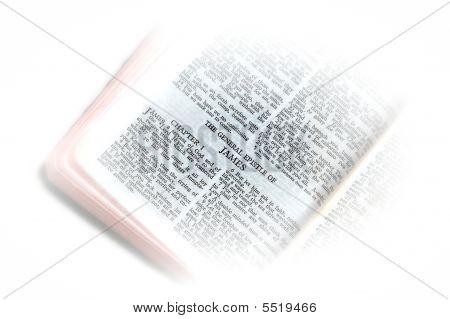 Bíblia aberta a vinheta de James