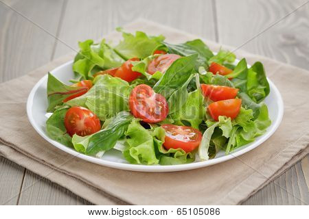 Summer Salad With Tomatoes
