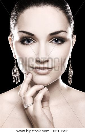 Beautiful Woman Diamond Jewellery