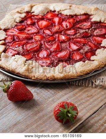 Wholegrain Tart With Strawberry