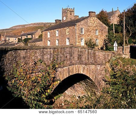 Bridge in village, Muker, Yorkshire Dales.