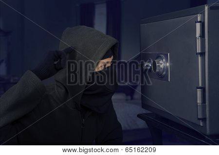 A Confused Robber