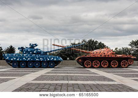 War Memorial Tanks