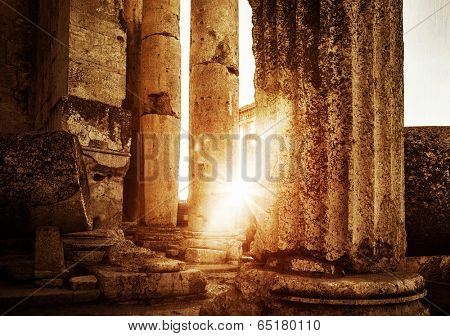 Jupiter's temple  Baalbek ruins in bright sunset light, famous landmark of Lebanon, ancient Roman architecture, historical heritage concept
