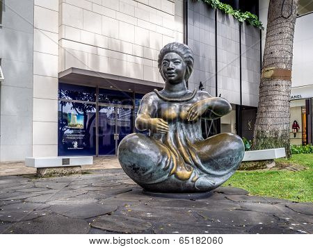 Beautiful statue, Waikiki