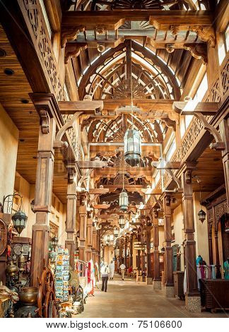 DUBAI, UAE - JANUARY 31: The Madinat Souk at Madinat Jumeirah Hotel on January 31, 2012 in Dubai. The traditional Arabian souk is a shopping paradise