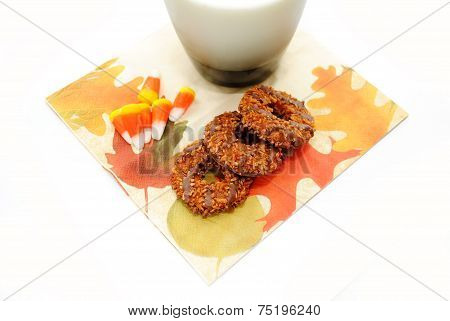 A Fall Festive Desset With Cookies And Candy