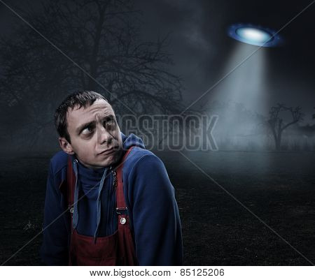 Guy scared by UFO