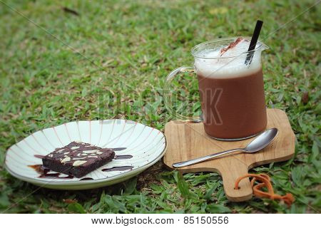 Chocolate In Ice And Chocolate Cake