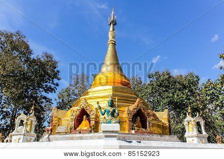 Wat Phra That Saeng Hai , Pagoda Shan Style