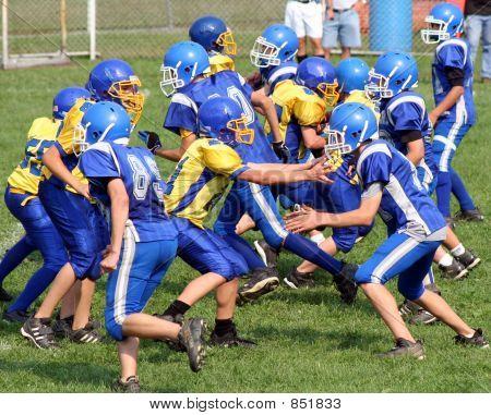 Youth Football Play 3