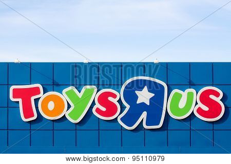 Logo of the brand Toys r us