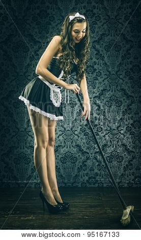 Pretty Vintage sexy maid housemaid