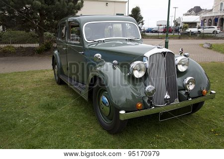 Old British Green Vintage Saloon Car