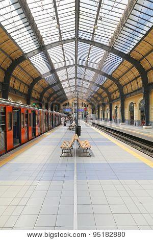 Piraeus Train Station
