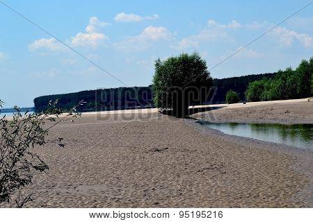 Lakes on the island Talchia