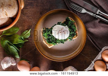 Egg Benedict With Garlic Spinach