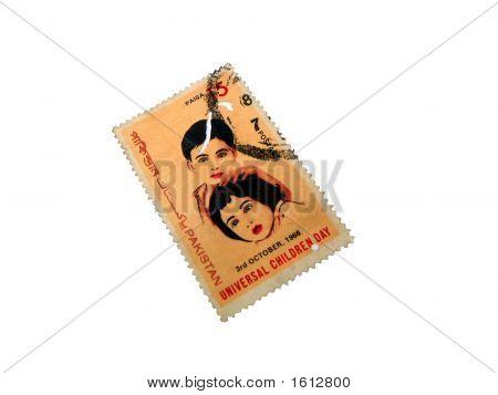 Selo postal do Paquistão no dia Universal da criança