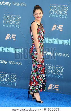 LOS ANGELES - DEC 11:  Tatiana Maslany at the 22nd Annual Critics' Choice Awards at Barker Hanger on December 11, 2016 in Santa Monica, CA