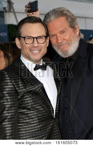LOS ANGELES - DEC 11:  Christian Slater, Jeff Bridges at the 22nd Annual Critics' Choice Awards at Barker Hanger on December 11, 2016 in Santa Monica, CA