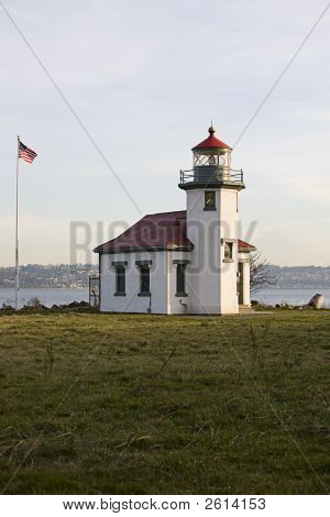 Point Robinson Light And Flagpole