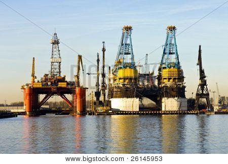 Dos diques secos, utilizados para la construcción de barcos