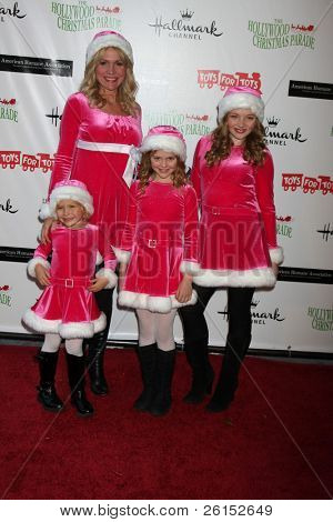LOS ANGELES - NOV 27:  l-r: Barbara Alyn Woods,  arrives at the 2011 Hollywood Christmas Parade at Hollywood Boulevard at Sycamore on November 27, 2011 in Los Angeles, CA