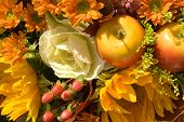 picture of flower vase  - Autumn flowers - JPG