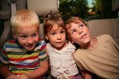 image of road trip  - Three children  - JPG