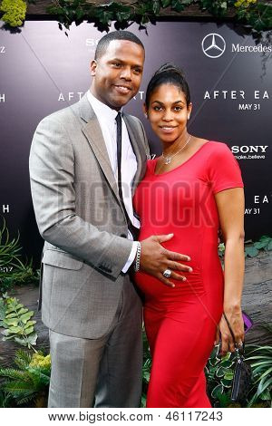 NEW YORK - MAY 29: A. J. Calloway (L) and Dionne Walker attend the premiere of