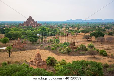 The Thatbyinnyu as seen from Minyeingon Temple in old Bagan, Burma