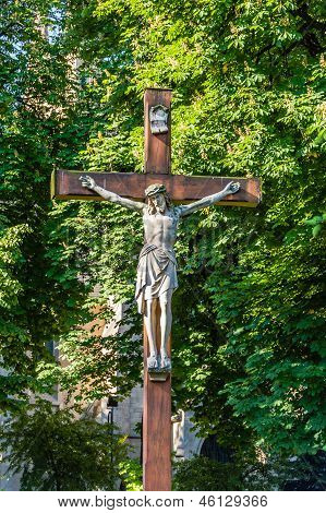 Statue of Jesus Christ crucified.