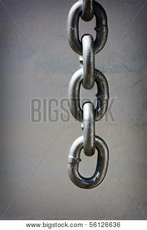 Dangling Chain