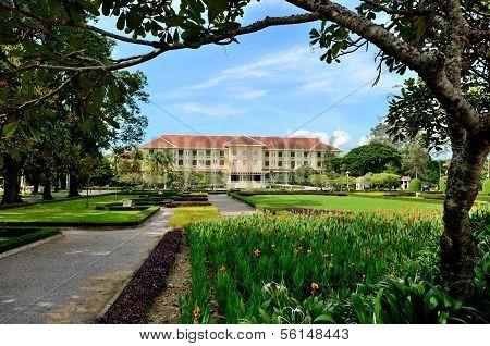 Raffles Grand Hotel D`angkor