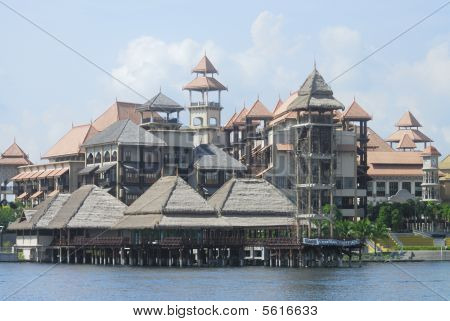 Lakeside Hotel