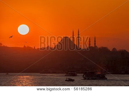 Istanbul Suleymaniye mosque and the sunset