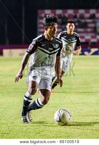 Sisaket Thailand-may 28: Nurul Sriyankem Of Chonburi Fc. Runs For The Ball During Thai Premier Leagu