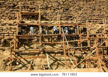 Rebuilding the Djoser Pyramid