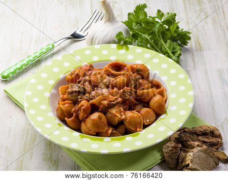 pasta with tomatoes and dried cep mushroom