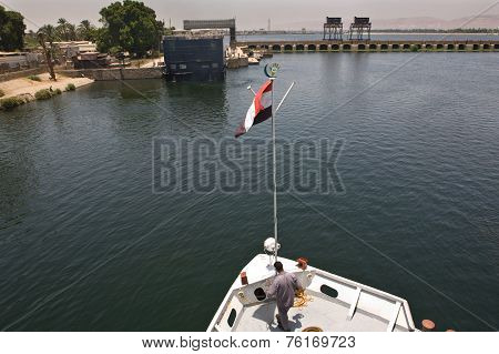 Maneuver In Nile River