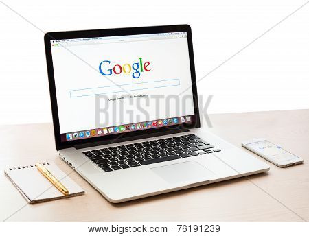 Google Webpage On Macbook Pro Display