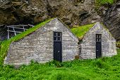 picture of iceland farm  - Traditional Icelandic turf house  - JPG