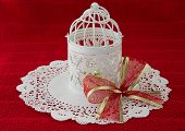 pic of doilies  - Vintage Christmas lantern with a large bow - JPG