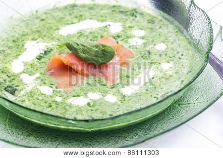 spinach soup with smoked salmon