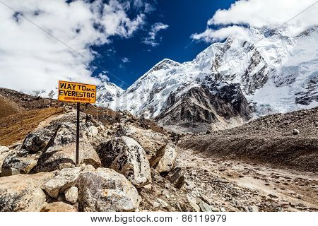 Way To Mount Everest Base Camp Signpost In Himalayas, Nepal. Khumbu Glacier And Valley Snow On Mount